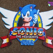 Logotipo de Sonic The Hedgehog hecho de hama beads
